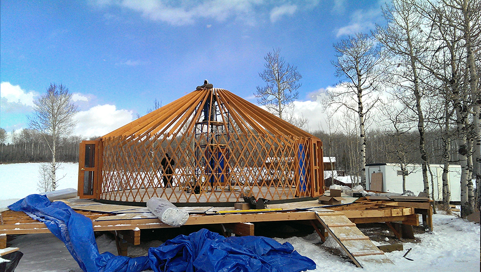 Interstice Architects 187 Yurt Retreat